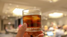 стакан с виски