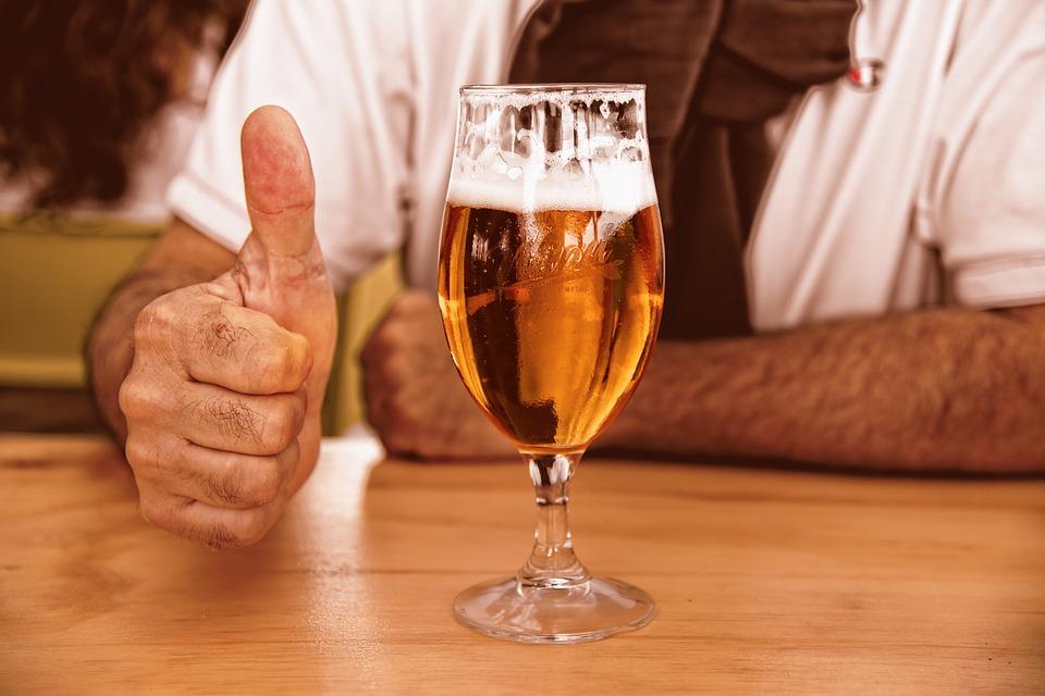 Бокал с пивом